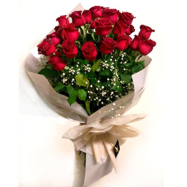 Ramo de rosas rojas florer a reviens - Ramos de flores modernos ...